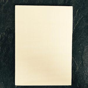 Een eigen ontworpen kaart op hout gebrand, blanco kaart